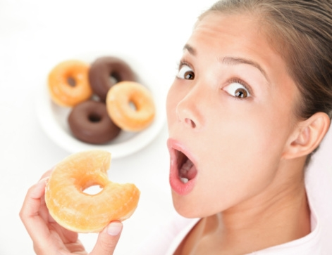 eating-donuts-saidaonline